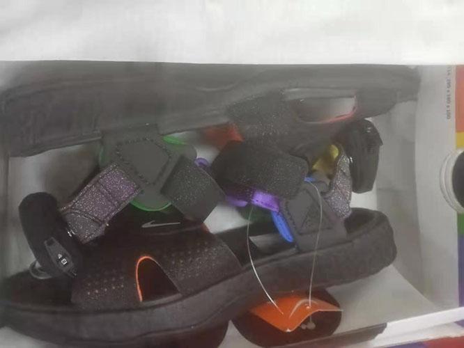 英国Nike官网海淘Nike Air Deschutz BETRUE 男子凉鞋