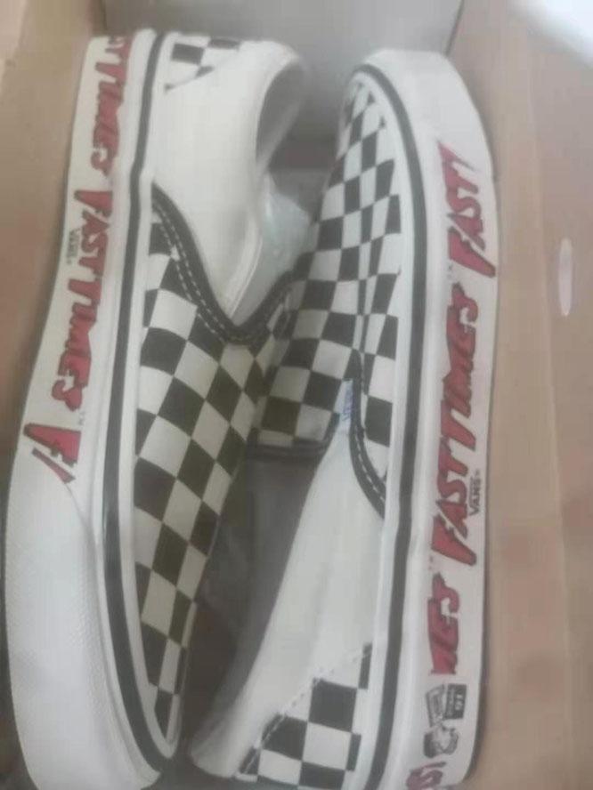 英国VANS官网海淘VANS Classic Slip-On 9运动鞋